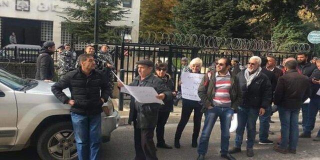 ادامه اعتراضات شهروندان لبنانی علیه عدم تشکیل دولت