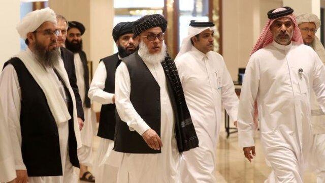 خلیلزاد به قطر رسید؛ طالبان منتظر دستور نهایی رهبرشان برای مذاکرات است
