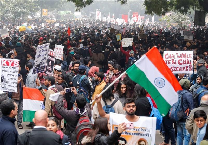 پلیس هند مانع حرکت معترضین خشمگین به سوی منزل وزیر کشور شد