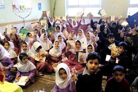 برگزاری ویژه برنامه با بچه های روستا در رودبار