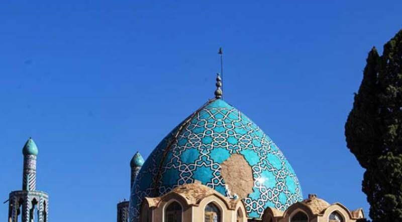 خبرنگاران معاون میراث کرمان: طرح بازسازی گنبد شاه نعمت الله ولی در دست تهیه است
