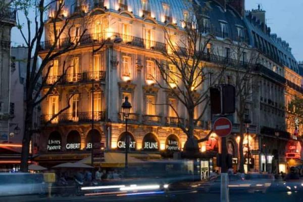 نگرانی کتاب دوستان فرانسوی از بسته شدن کتابفروشی نمادین پاریس