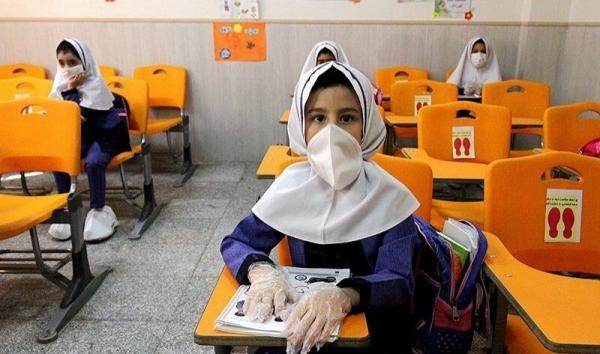 خبرنگاران حضور دانش آموزان در مدارس البرز اجباری نیست