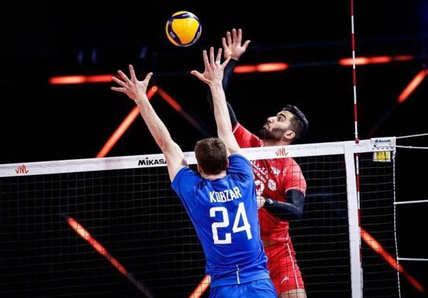 حسینی: مقابل ژاپن، ذلیل بازی کردیم، می توانستیم روسیه را ببریم