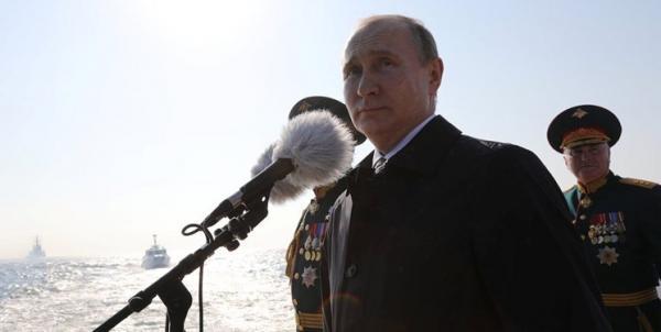 پوتین: در صورت تجاوز به خاک روسیه دندان های دشمن را خرد می کنیم